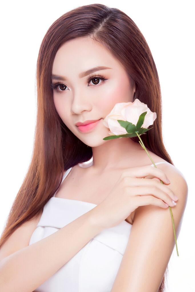 Người đẹp áo dài Đồng Mai Ngân