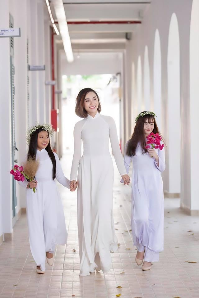 Hoa hậu áo dài Đồng Mai Ngân đẹp rạng rỡ