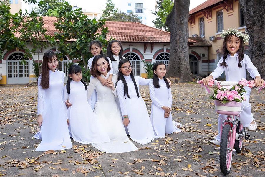 Trở về tuổi học trò cùng Hoa hậu áo dài Đồng Mai Ngân 1