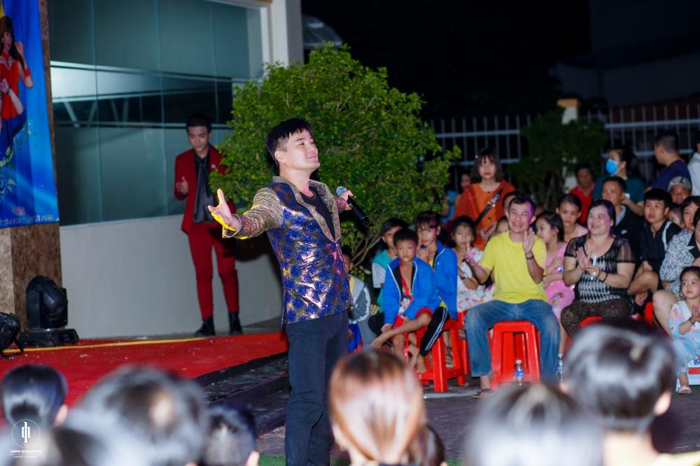 Chế Thanh, Thanh Kim Huệ biểu diễn trong đêm nhạc do HH Diễm Kyly tổ chức 2