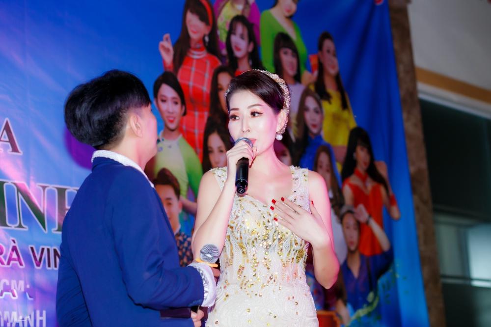 Chế Thanh, Thanh Kim Huệ biểu diễn trong đêm nhạc do HH Diễm Kyly tổ chức 7