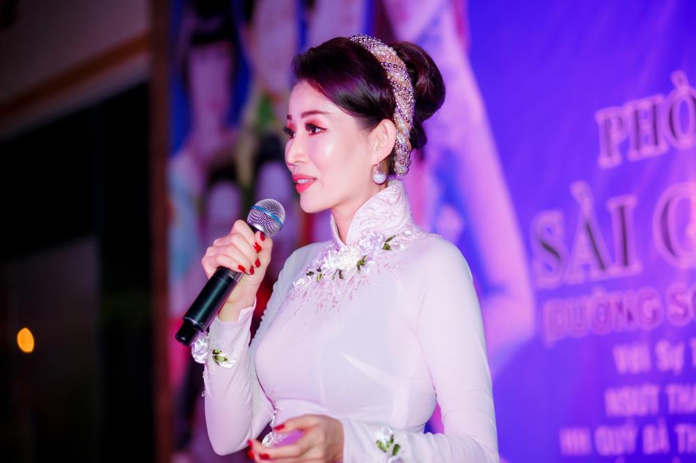 Chế Thanh, Thanh Kim Huệ biểu diễn trong đêm nhạc do HH Diễm Kyly tổ chức 6