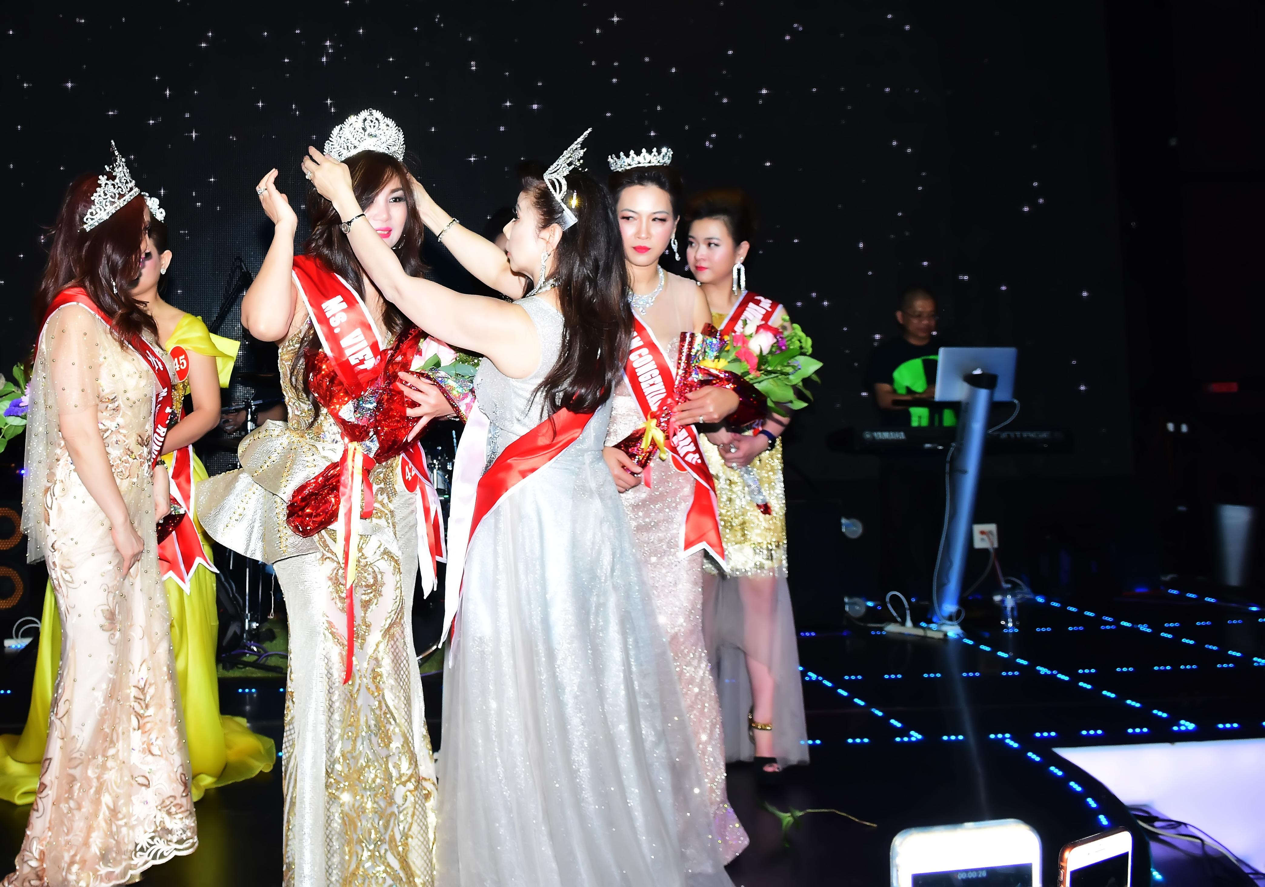 Hoa hậu Phu nhân Nhân ái 2019 thành công rực rỡ tại Mỹ 7