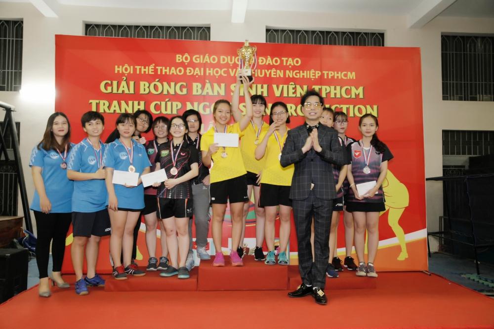 """""""Ông hoàng nhạc sến"""" Ngọc Sơn phối hợp tổ chức sân chơi thể thao cho sinh viên 8"""