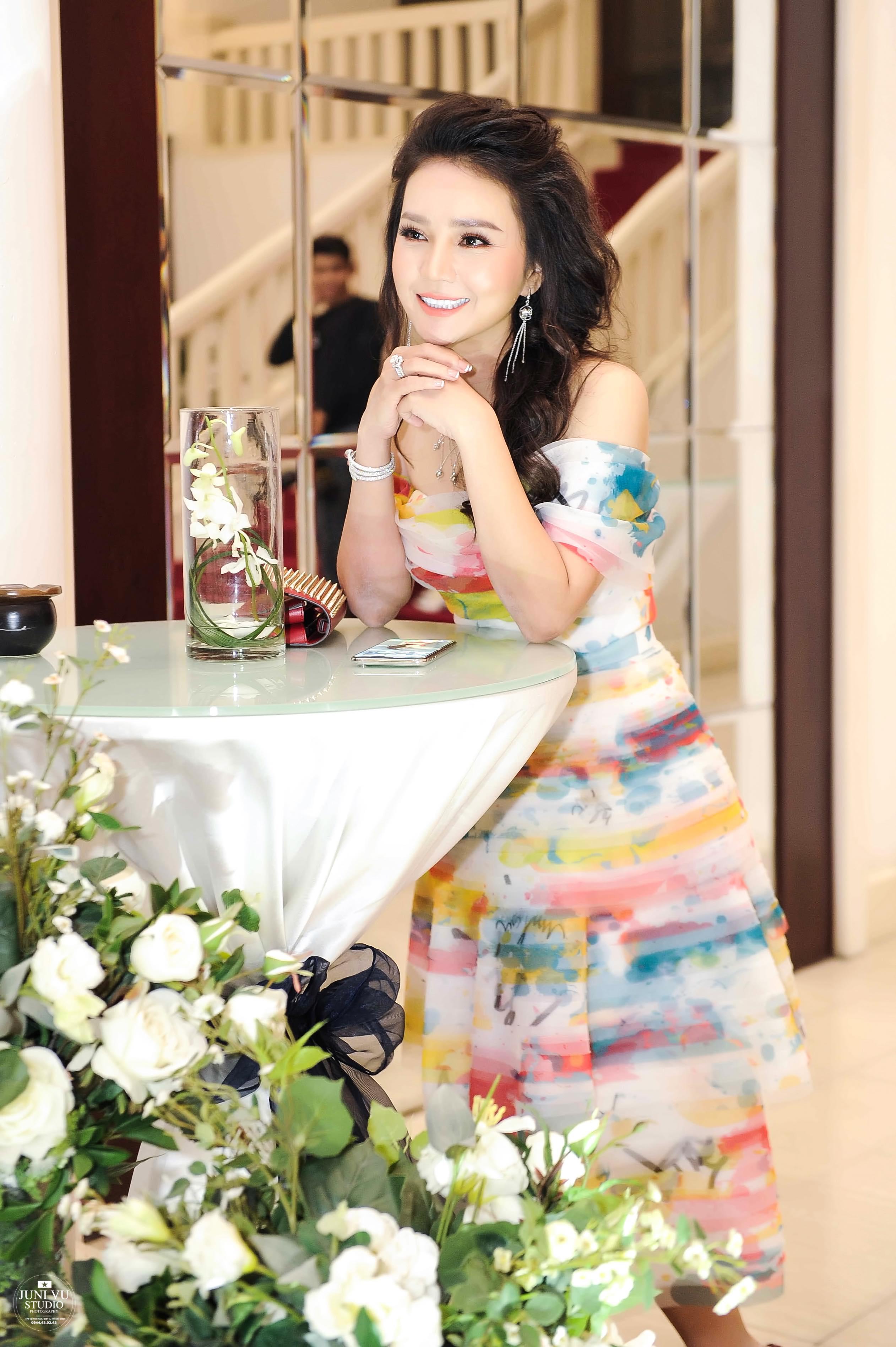 Doanh nhân Bảo Châu cùng diễn viên Luân Nguyễn hết lòng vì người dân nghèo 4