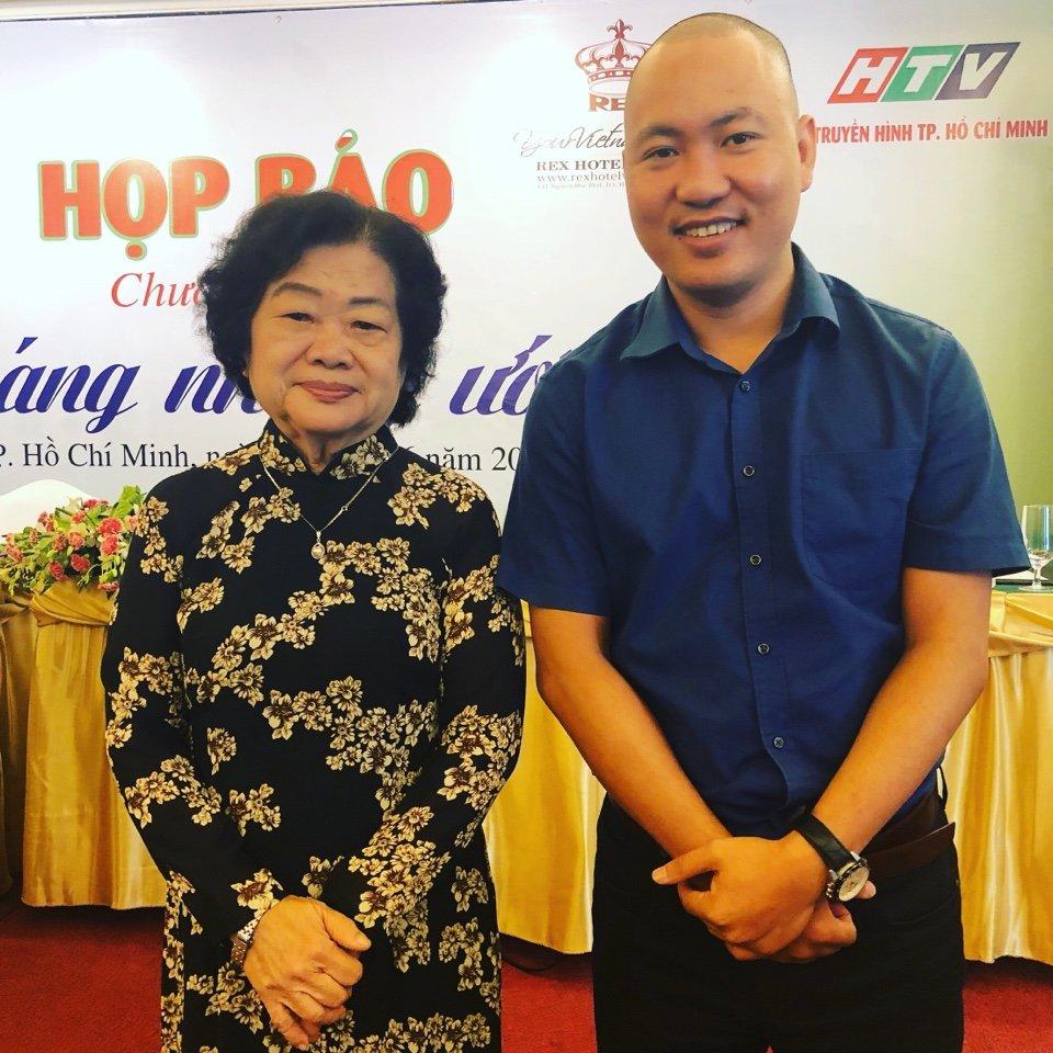 Doanh nhân Trần Anh Tuấn cùng với nguyên PCT nước Trương Mỹ Hoa