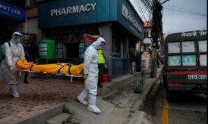Ca nhiễm Covid-19 ở Nepal tăng vọt. Ảnh: Reuters