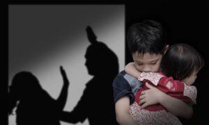 Nhiều đứa trẻ bị ám ảnh tâm lý vì chứng kiến bạo lực gia đình từ nhỏ. Ảnh: Help Guide.